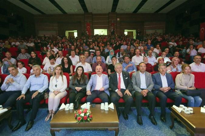 Amasya Uluslararası Atatürk Kültür ve Sanat Festivali 'Türk Dünyası Müzik Topluluğu Dinletisi' ile Sona Erdi.