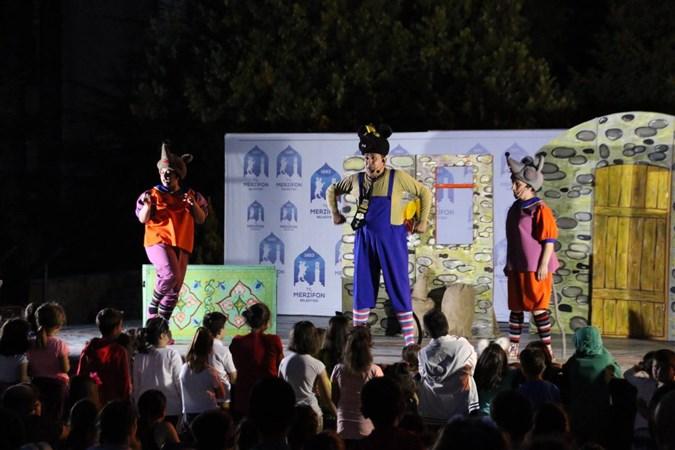 Merzifon Belediyesi'nden Çocuklar'a Kukla Gösterisi