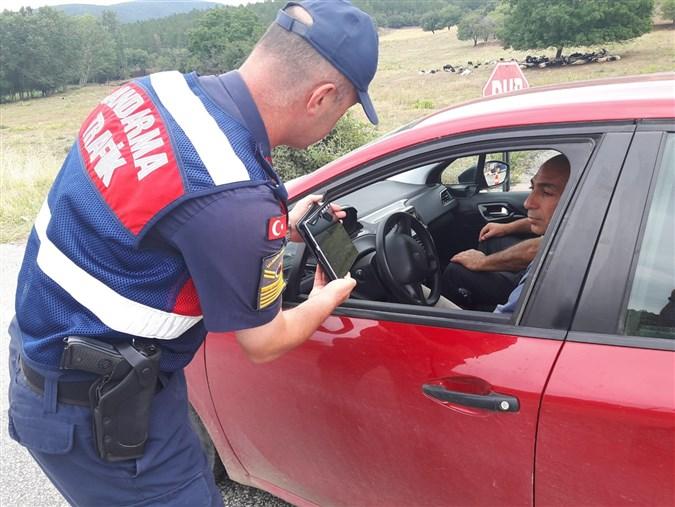 Amasya İl Jandarma Komutanlığın'dan Sürücülere ve Öğrencilere Yönelik Bilgilendirme Faaliyetleri