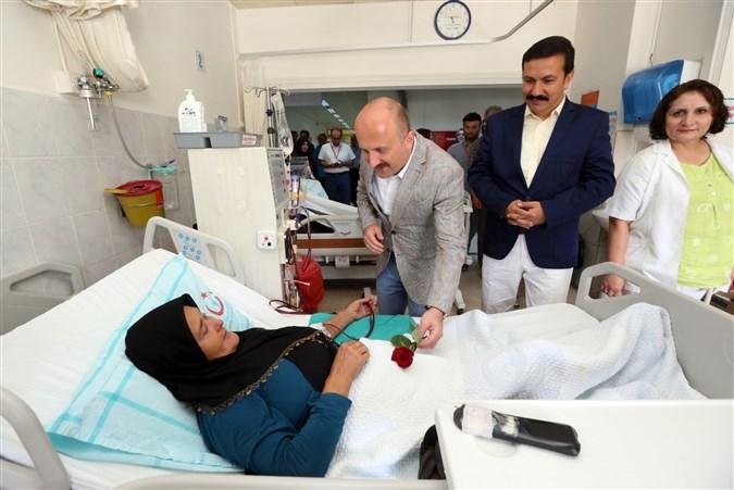 Vali Varol Diyaliz Hastalarını Ziyaret Etti