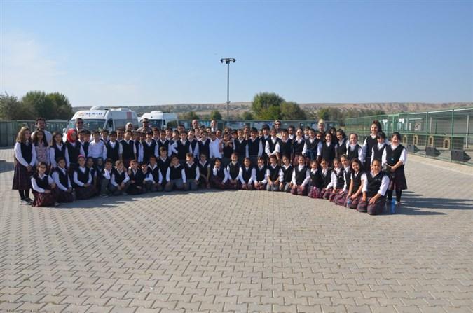 Öğrencilerden Barınak Ziyareti