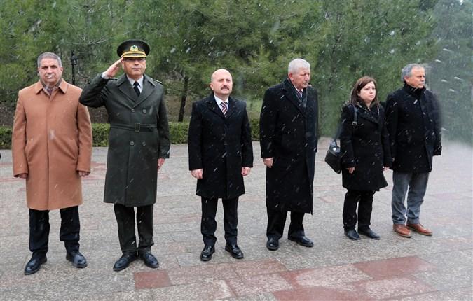 Amasya'da 18 Mart Şehitleri Anma Günü ve Çanakkale Deniz Zaferi'nin 105. Yılı Dolayısıyla Çelenk Sunma Töreni Gerçekleştirildi