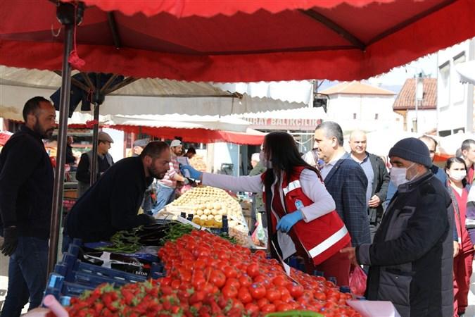 Merzifon'da Esnaf ve Vatandaşlara Yönelik Ateş Ölçümü Yapıldı