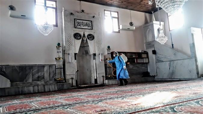 Köylerde Bulunan Cami-Cemevi ve Kamusal Alanlar Dezenfekte Ediliyor