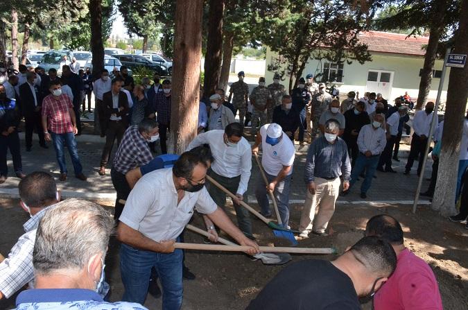 Merzifon belediyesi başkan yardımcısıErkan Ergül'ün babası Son Yolculuğuna Uğurlandı...