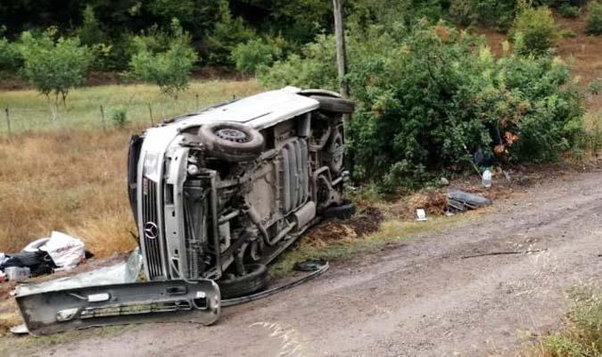 Araç şarampole devrildi: 2 çocuk yaralandı