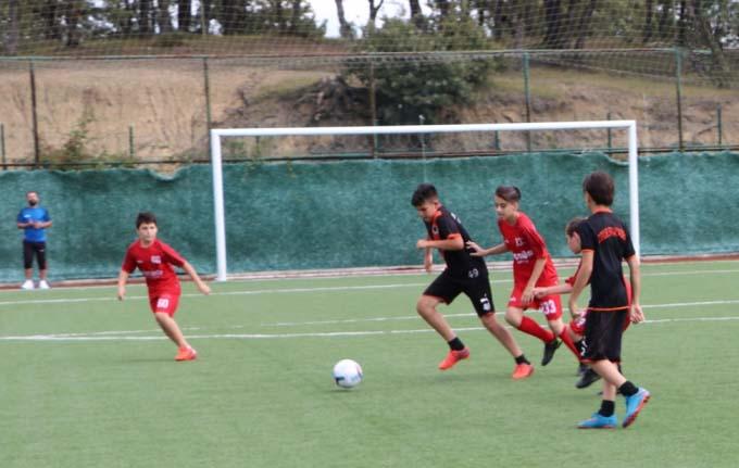 Yaz Futbol Okulları Geleceğin Yıldızları Futbol Şenliği düzenlendi