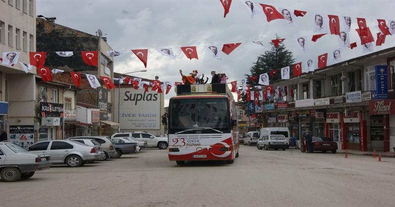 23 Nisan Otobüsü Gümüşhacıköy' de
