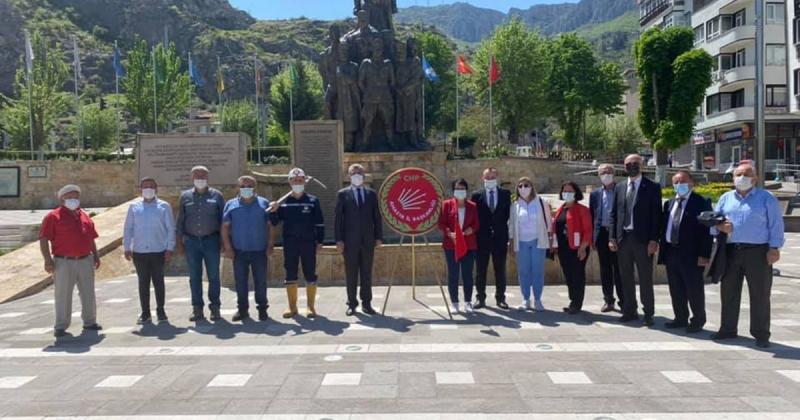 Amasya CHP 1 Mayıs Emek ve Dayanışma Günü Dolayısıyla Basın Açıklaması Yaptı