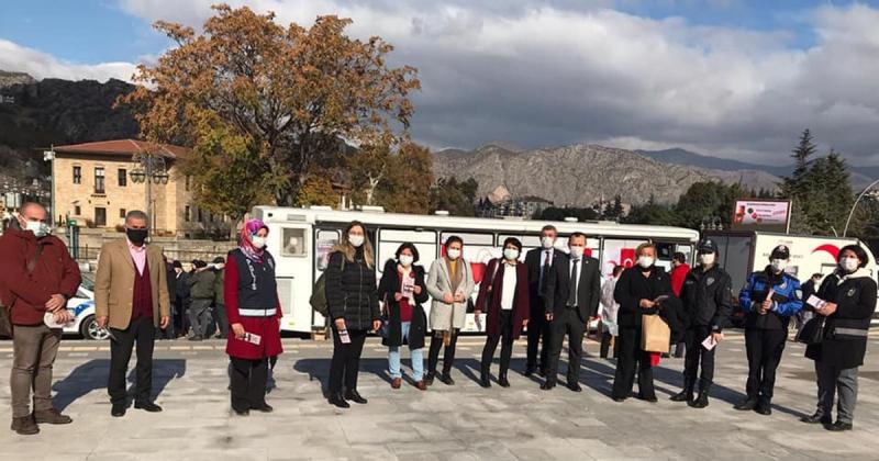 Amasya CHP'den 'Kan bağışla, şiddeti bağışlama' Kampanyasına Destek