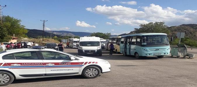 Amasya İl Jandarma Komutanlığı Ekipleri Okul Servis Araçlarını Denetledi