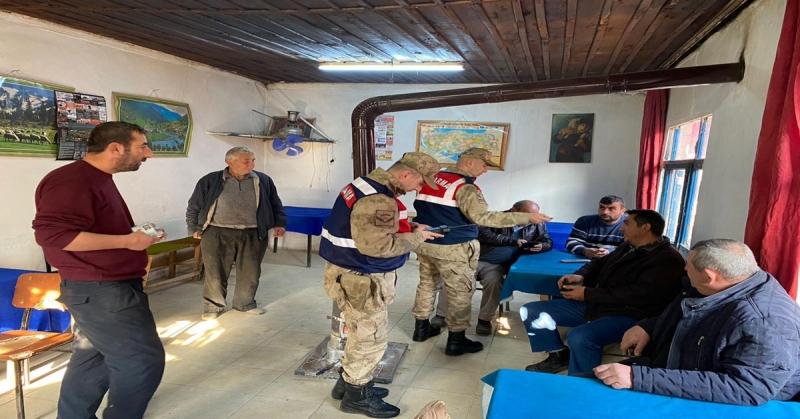 Amasya İl Jandarma Komutanlığı Ekiplerince Huzur ve Güven Uygulaması Gerçekleştirildi