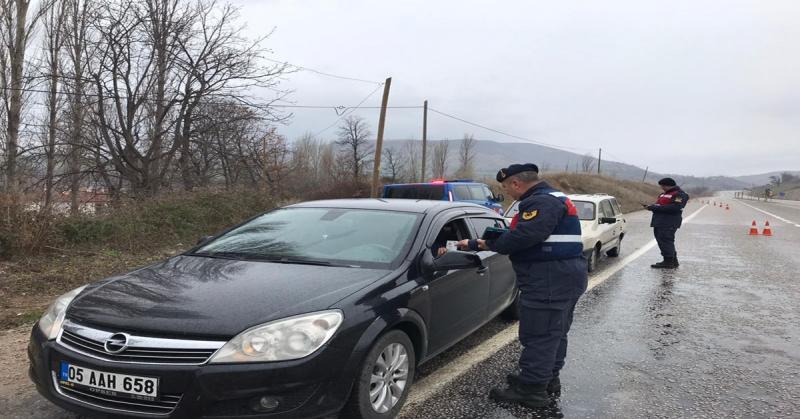 Amasya İl Jandarma Trafik Timleri'nden Sahte ve İkiz Plaka Denetimi