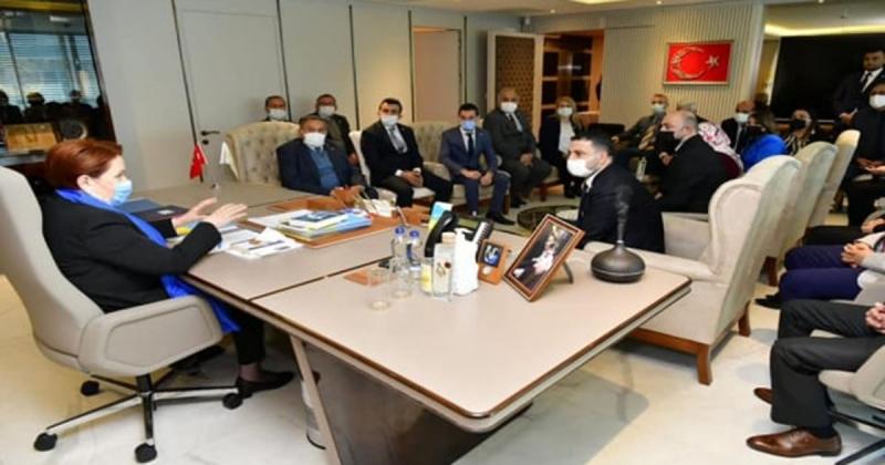 Amasya İYİ Parti Teşkilatı Genel Başkan Akşener'i Ziyaret Etti