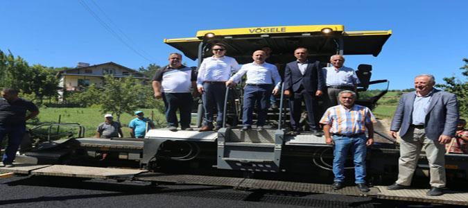Amasya Köy Yolları Bitümlü Sıcak Karışım (BSK) Asfalt Çalışmaları Devam Ediyor