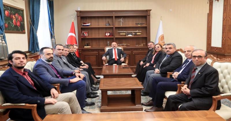 Amasya Milletvekili Tuncer ve CHP İl Teşkilatı'ndan, Vali Varol'a Ziyaret