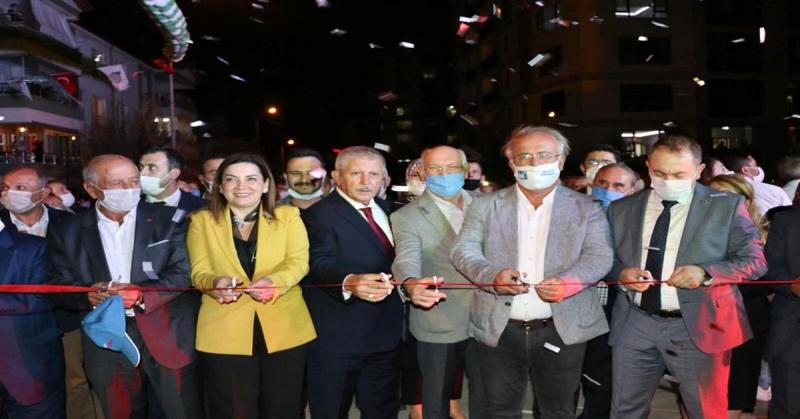 Ataşehir Ahmet Çekin Yaşam Parkı Hizmete Açıldı