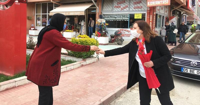 Başkan Özyol 'Anneler Günü'nde Anneleri Unutmadı
