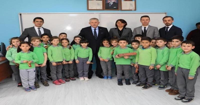 Başkan Sarı'dan 81 ilde 81 okula Amasya Elması