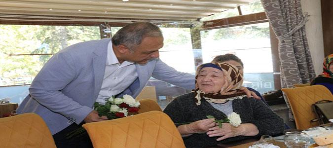 Başkan Üçok 'Yaşlılarımız Baştacımız'