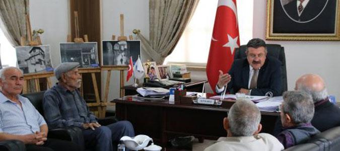 """Belediye Başkanı Alp Kargı, """"Bu kapı herkese açık"""""""