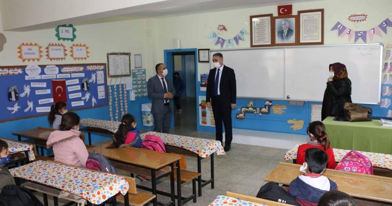 Çoşkun'dan Köy Okullarına Ziyaret
