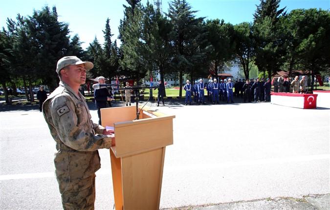 Eğitimini Tamamlayan Askerler Düzenlenen Törenle Yemin Etti