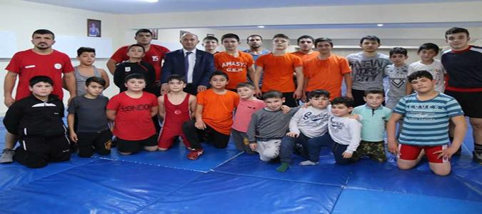 Geleceğin Şampiyonlarının Güreş Eğitimleri Sürüyor