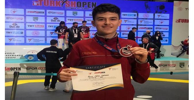 Genç Sporcu Yavuz Selim Yamak'tan Büyük Başarı