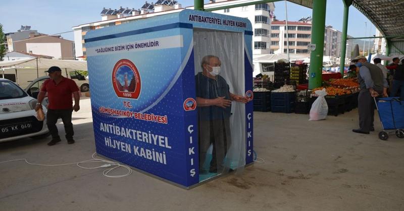 Gümüşhacıköy Belediyesi, Pazar Girişine Bakteriyel Hijyen Kabini Yerleştirdi