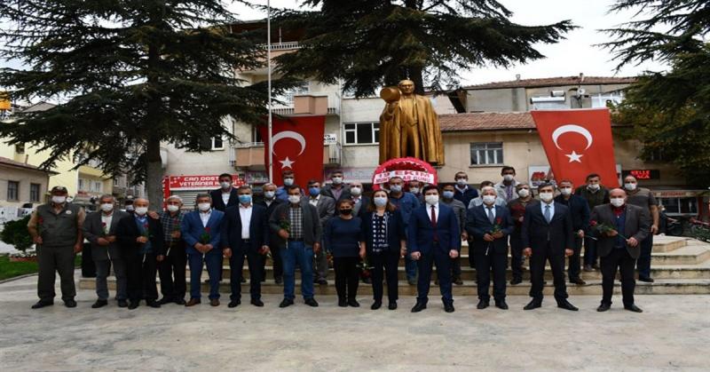 Gümüşhacıköy'de 19 Ekim Muhtarlar Günü Kutlandı