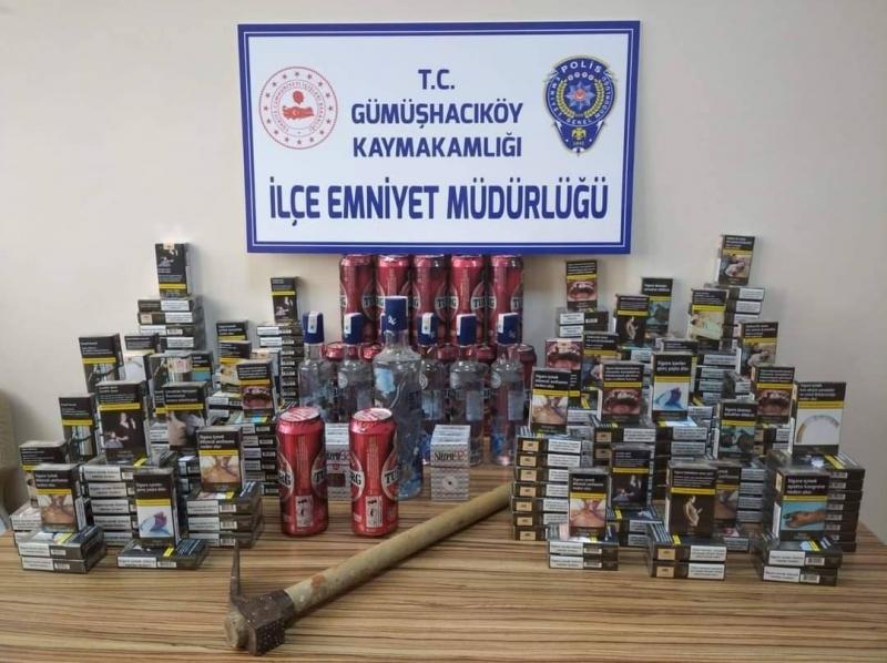 Gümüşhacıköy'de İçki ve Sigara Hırsızlığı