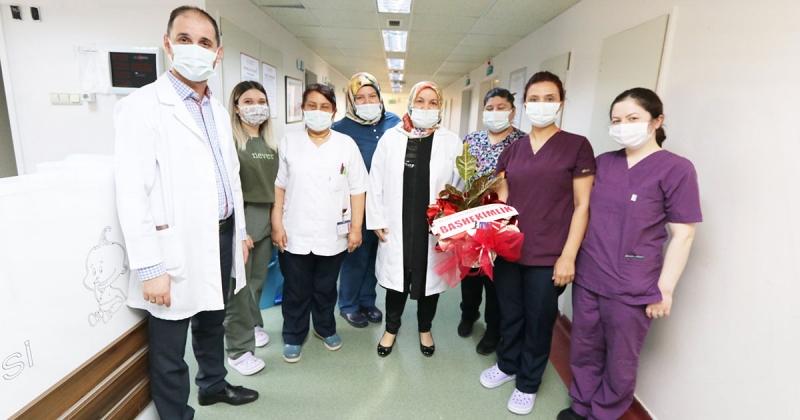 Hastane Yöneticileri Ebeler Haftasını Kutladı