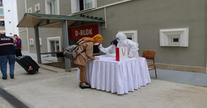 İsviçre'den Getirilerek Gözlem Altında Tutulan Vatandaşlar Memleketlerine Uğurlandı