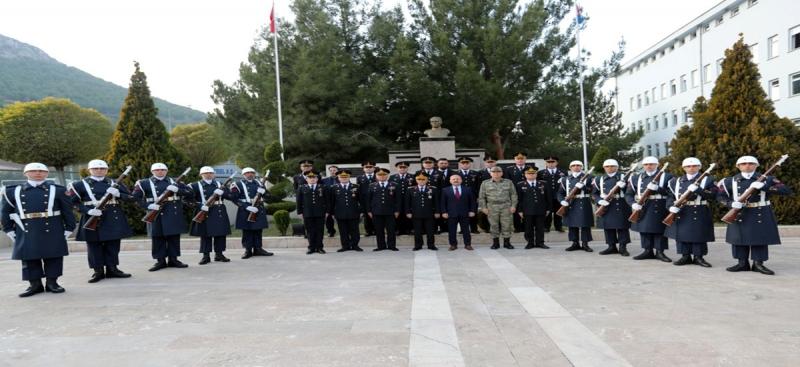 Jandarma Genel Komutanı Orgeneral Arif Çetin, Amasya İl Jandarma Komutanlığını Ziyaret Etti