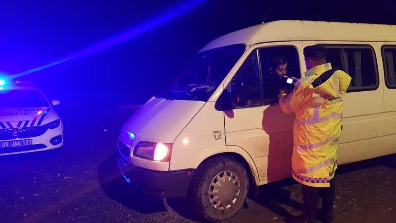 Jandarma'dan Amasya Genelinde Alkol Denetimi Uygulaması