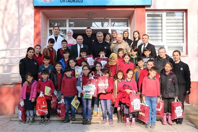Jandarma'dan Taşova Uluköy Ortaokulu'na Ziyaret