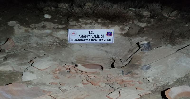 Kaçak Kazıda 1800 Yıllık Şarap Küpünü Parçaladılar