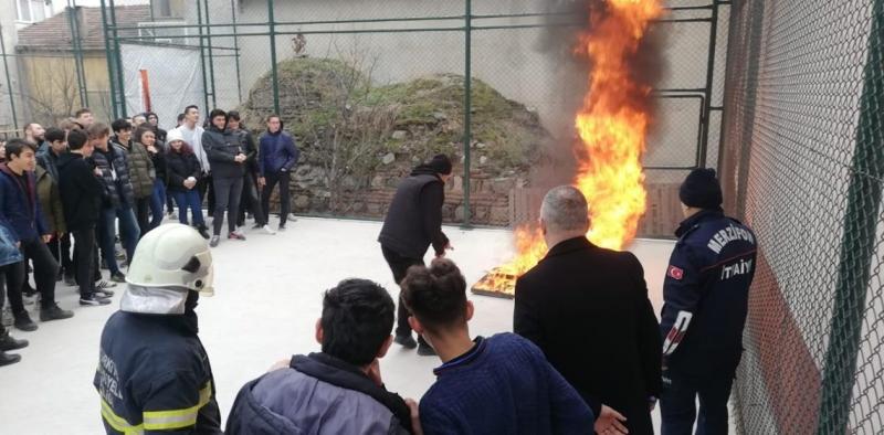 Merzifon İtfaiye Müdürlüğü'nden Yangından Korunma Eğitimi
