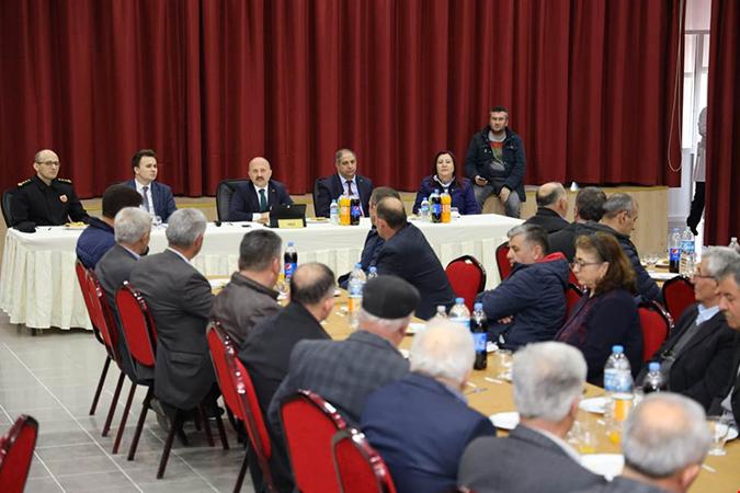 Muhtarlar Toplantısı Gümüşhacıköy İlçesinde Gerçekleştirildi