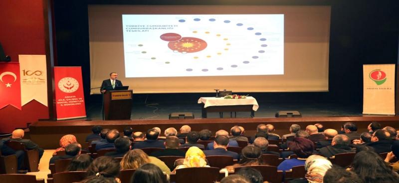 Prof. Dr. Vedat Işıkhan, Amasyada Konferans Verdi
