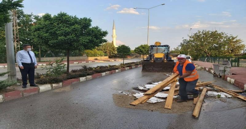 Sağnak Yağış ve Rüzgar Merzifon'da Etkili Oldu