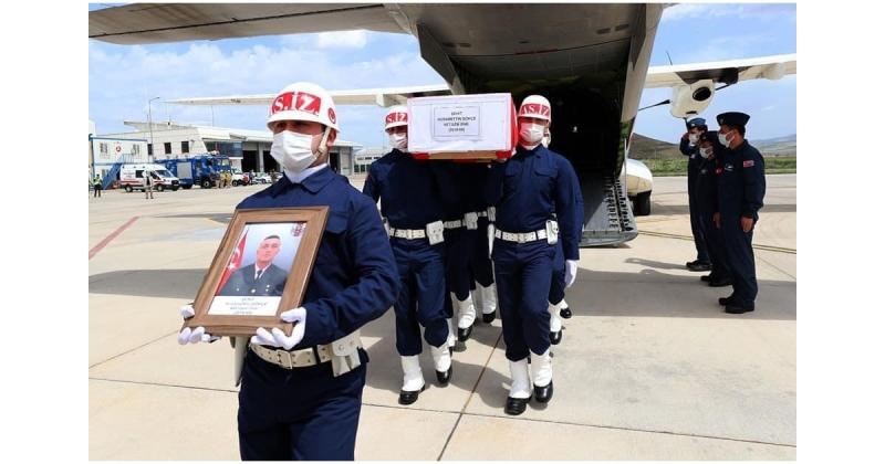 Şehidimizin Naaşı Merzifon Havalimanında Askeri Törenle Karşılandı