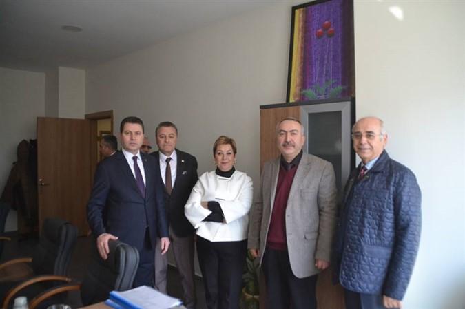 Serpil Saraçoğlu'ndan İl Özel İdare Müdürlüğü'ne Ziyaret