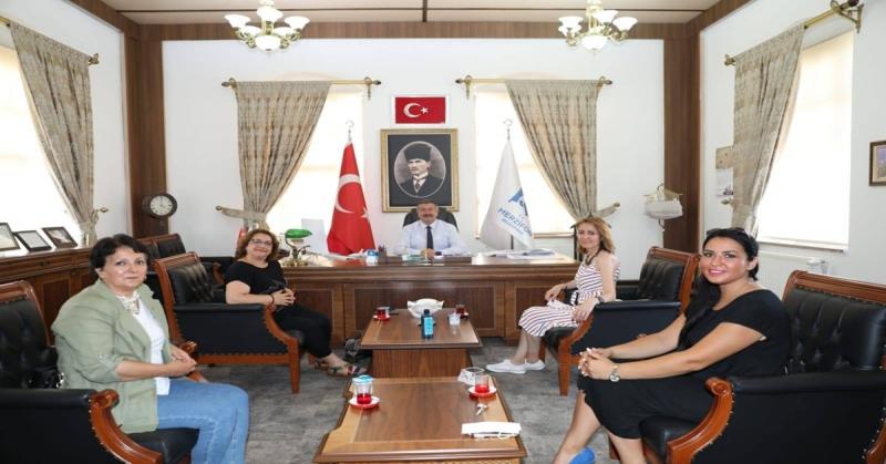 Sinop, Amasya ve Merzifon CHP Kadın Kolları Başkanlarından Merzifon Belediyesine Ziyaret