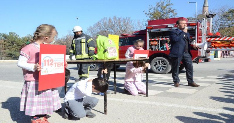 Suluova, Şeker İlk ve Ortaokulunda Deprem ve Yangın Tatbikatı Gerçekleştirdi