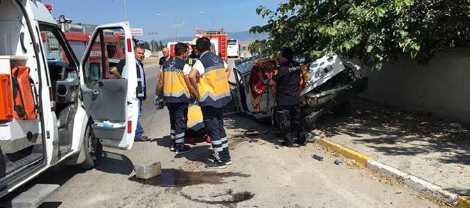 Suluova'da feci kaza: 2 ölü, 1 yaralı