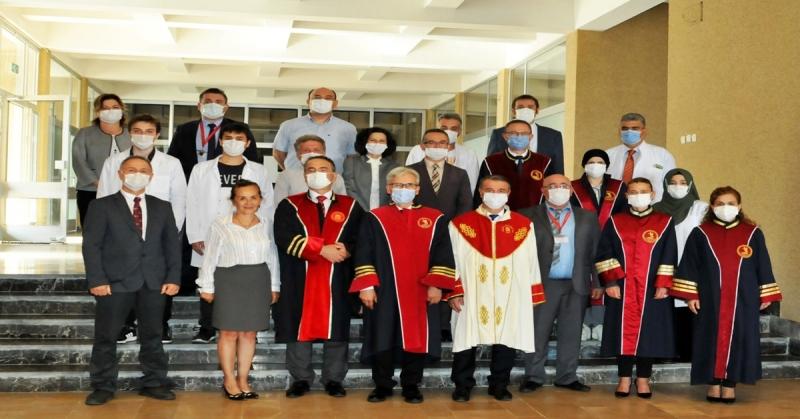 Tıp Fakültesi Öğrencilerine Önlük Giydirme Töreni Gerçekleşti