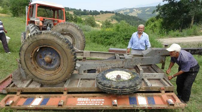 Traktör Tarlada 200 Metre Yuvarlandı