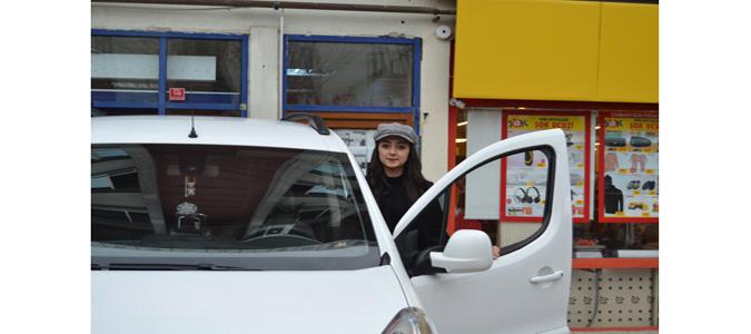Türkiye'de Bir İlk Olarak Kadın Şoför Çalıştırılmaya Başlandı